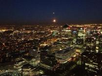 MoonoverCanaryWharf@MPSinthesky